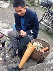 街角的修鞋匠